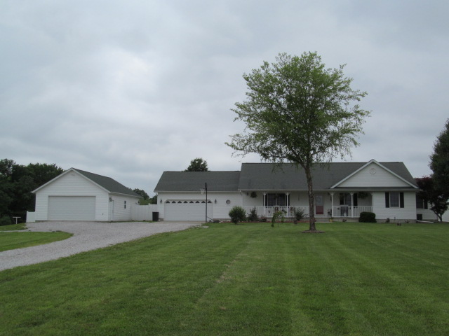 16881 N. Woodlawn Lane, Woodlawn, Illinois 62898