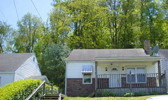 702 Jefferson Street, Newell, West Virginia 26050