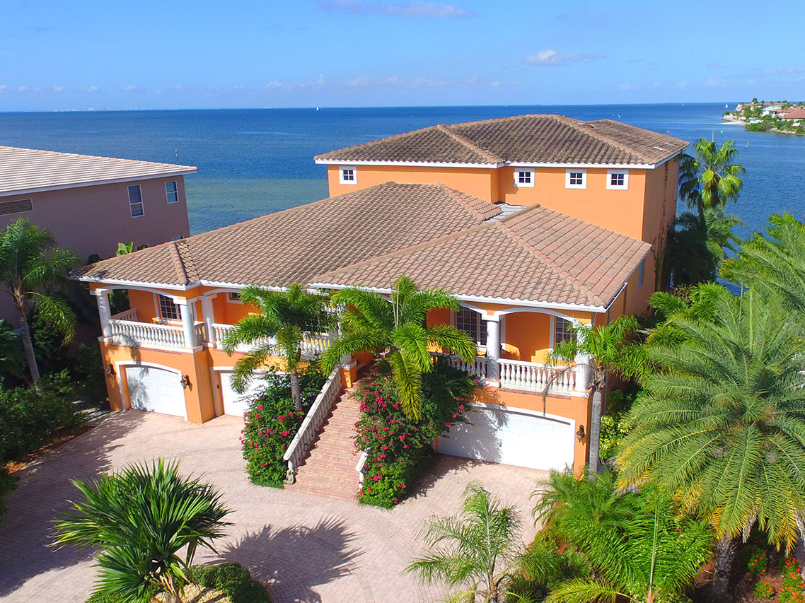 905 Symphony Beach Ln, Apollo Beach, Florida 33572
