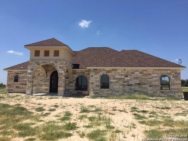 105 Carrizo Ranch Drive, Floresville, Texas 78114