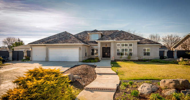 3042 Clubhouse Ct, Hanford, California 93230