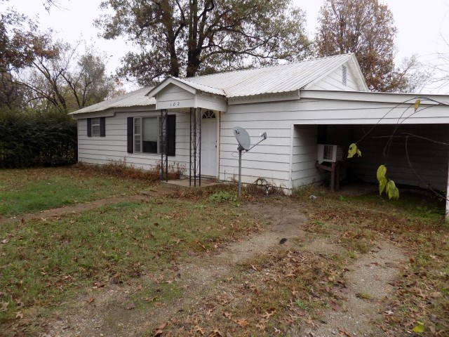 102 NE 4th Street, Hoxie, Arkansas 72433