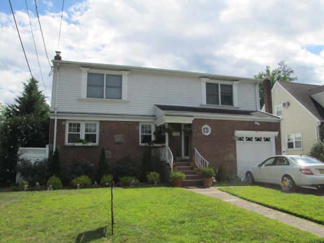 14 Deerfield Street, Bergenfield, New Jersey 07621