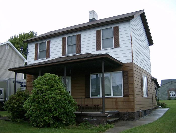 121 Harding Ave, Revloc, Pennsylvania 15948
