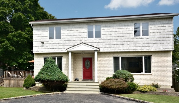 1428 Arndt Place, Baldwin, NY 11510