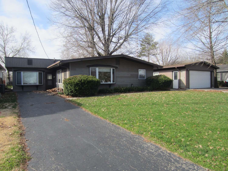 3584 E. 894 North Road, Neoga, Illinois 62447