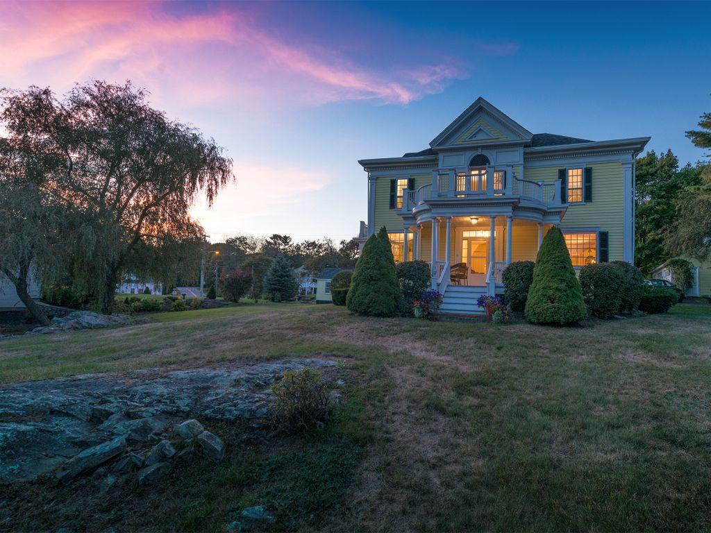101 Shore Road, Cape Neddick, Maine 03902