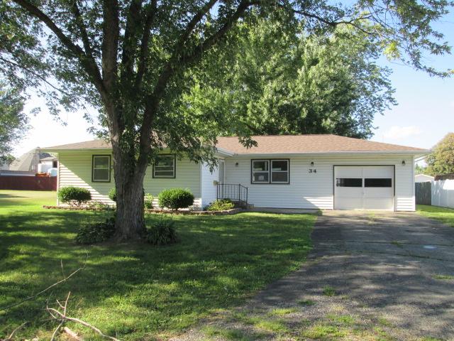 34 Melrose Lane, Lewistown, Illinois 61542
