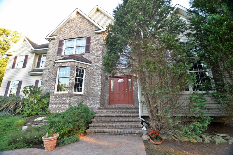 74 Brookwood Road, Byram Twp., New Jersey 07874