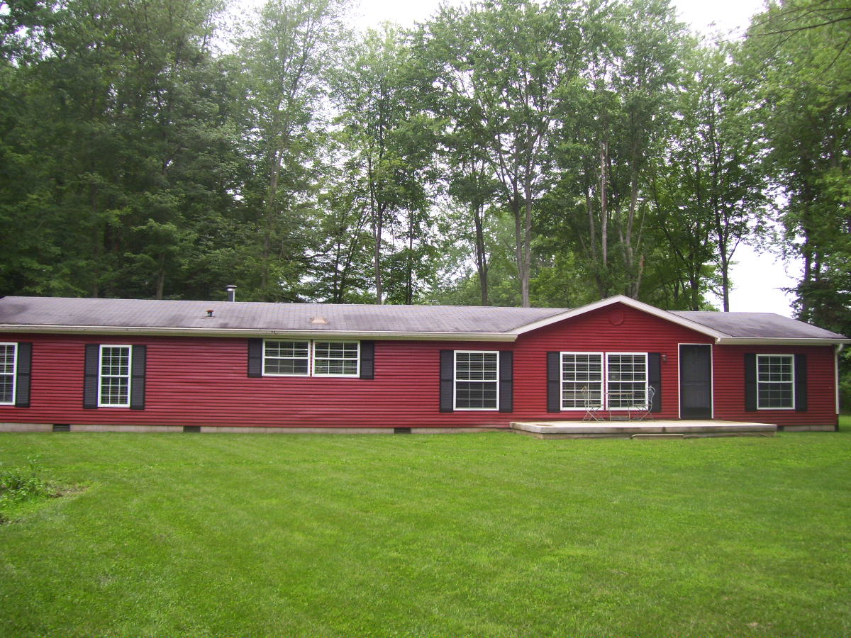 2304 E. Private Road 320 N., Centerpoint, Indiana 47840
