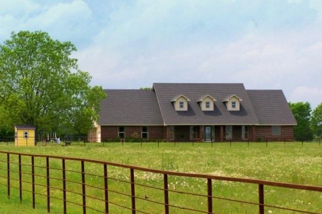 502 FM 910, Clarksville, Texas 75426
