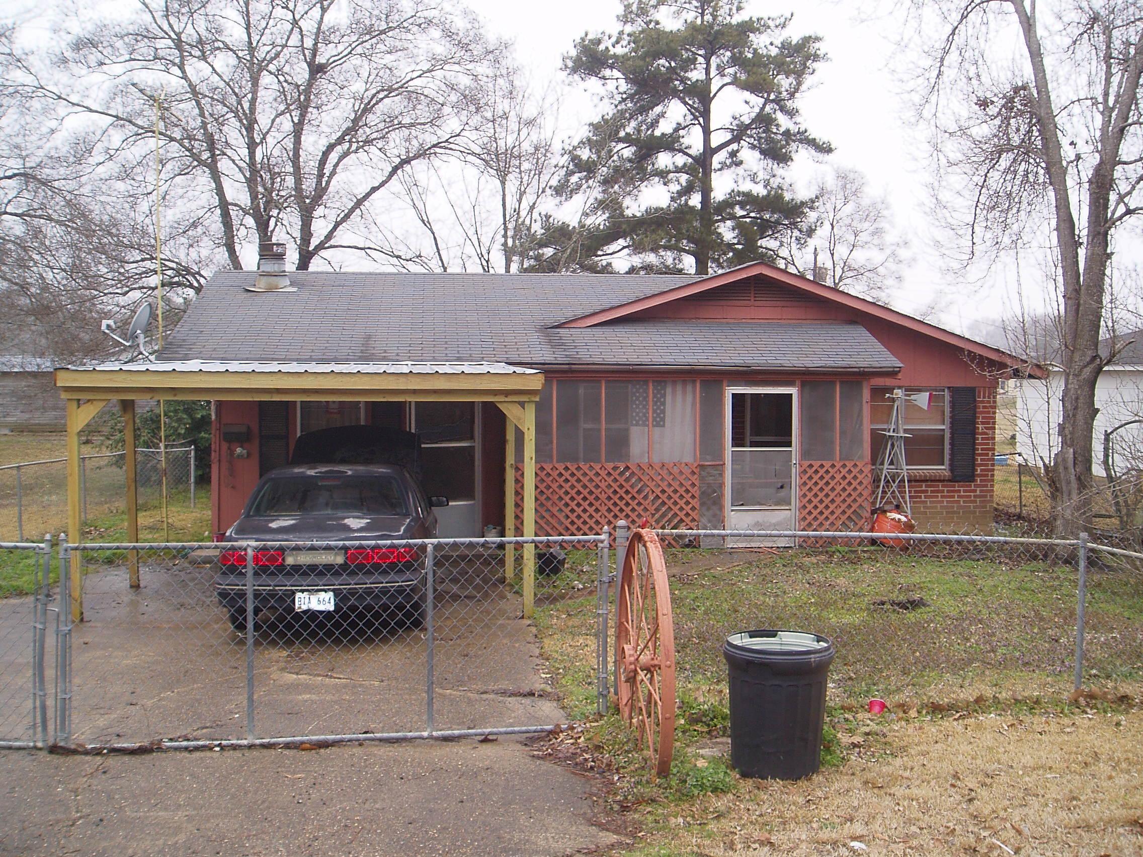 609 N. Horner, Oak Grove, Louisiana 71263