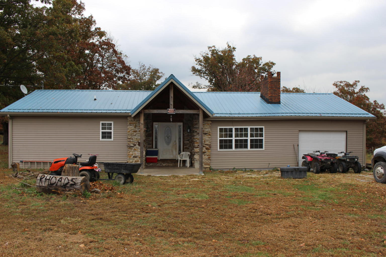 14 petunia drive, Louisburg, Missouri 65685