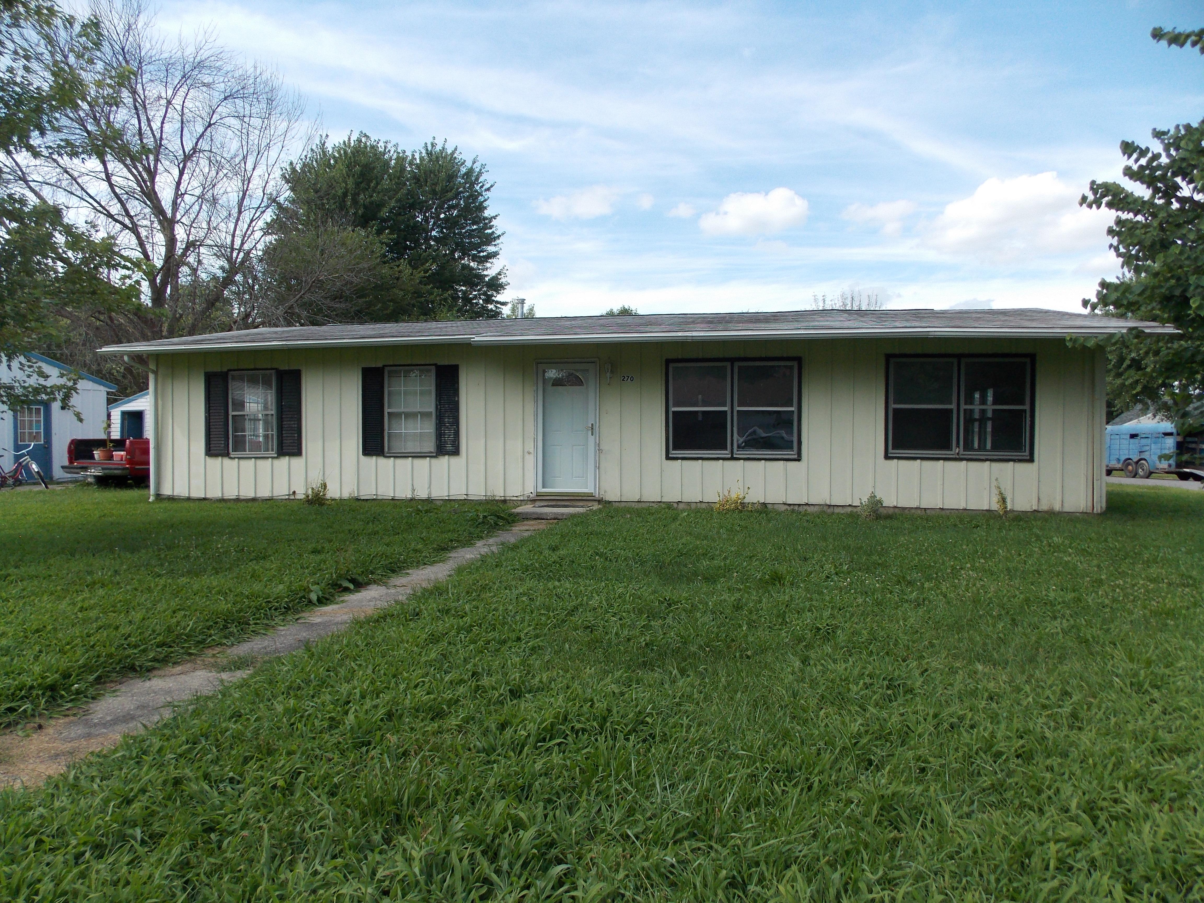 270 Orchard Lane, Upland, Indiana 46989