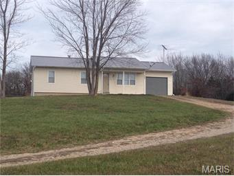 14992 Butler Drive, Crocker, Missouri 65452
