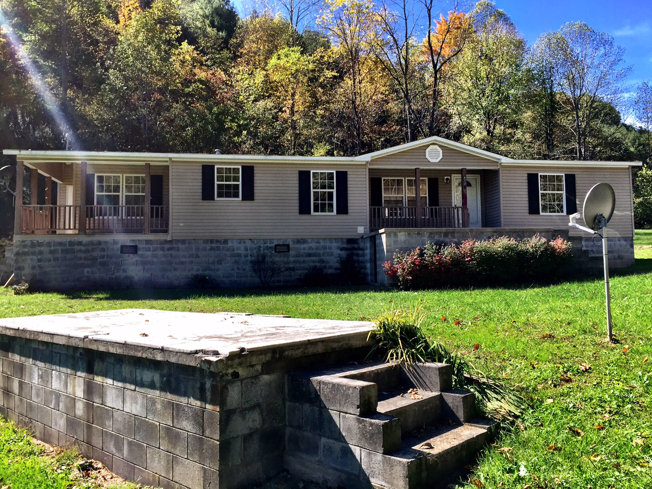 8727 Collins Baker Road, Pound, Virginia 24279
