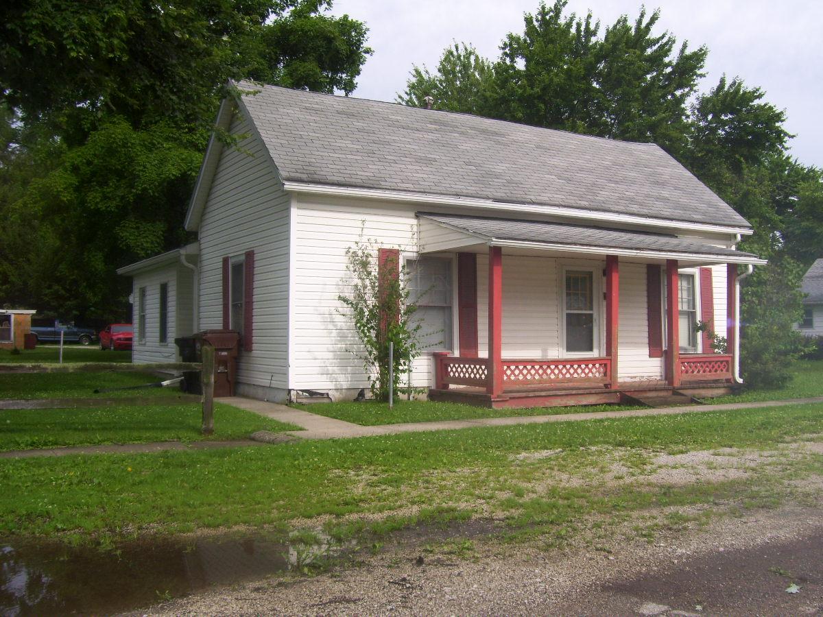 14641 N. Linden St., Carbon, Indiana 47837