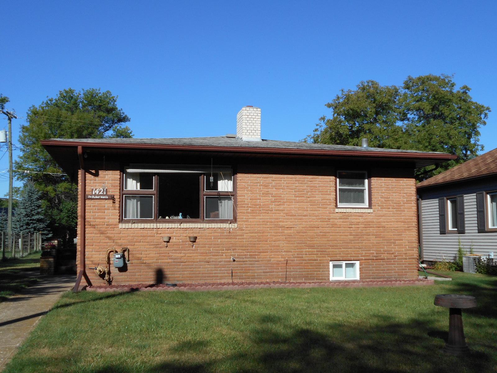 1421 3rd Ave NW, Jamestown, North Dakota 58401