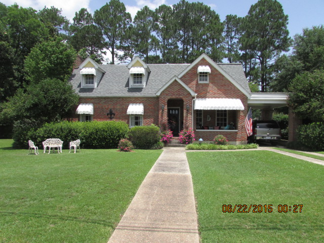 305 E Franklin, Quitman, Mississippi 39355