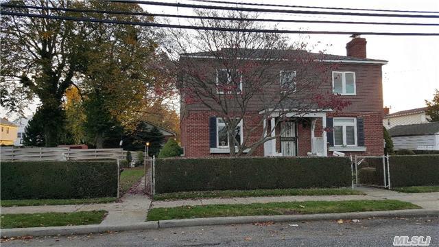 81 Lee Avenue, Hicksville, New York 11801