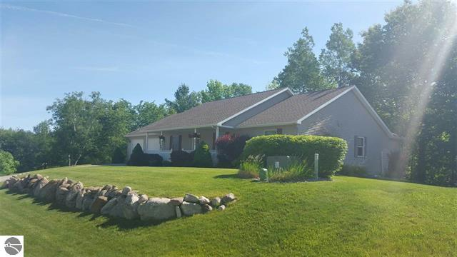 482 Donnet Court, Clare, Michigan 48617