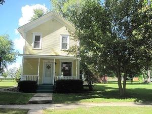 516 W Chestnut St, Compton, Illinois 61318