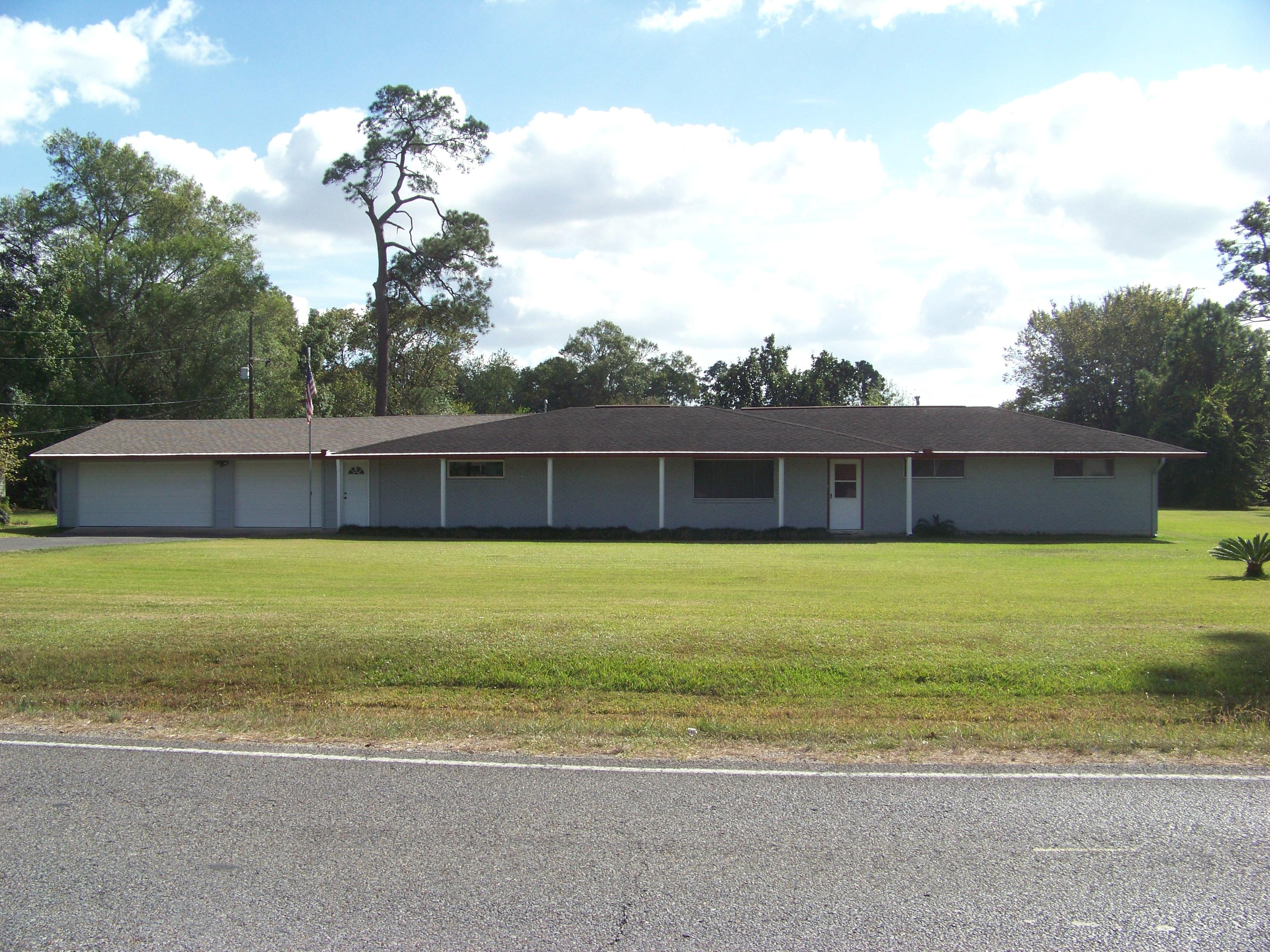 801 Johnstine Rd., Westlake, Louisiana 70669