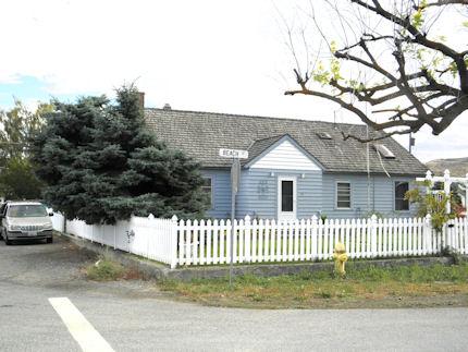 203 W Beach Street, Pateros, Washington 98846