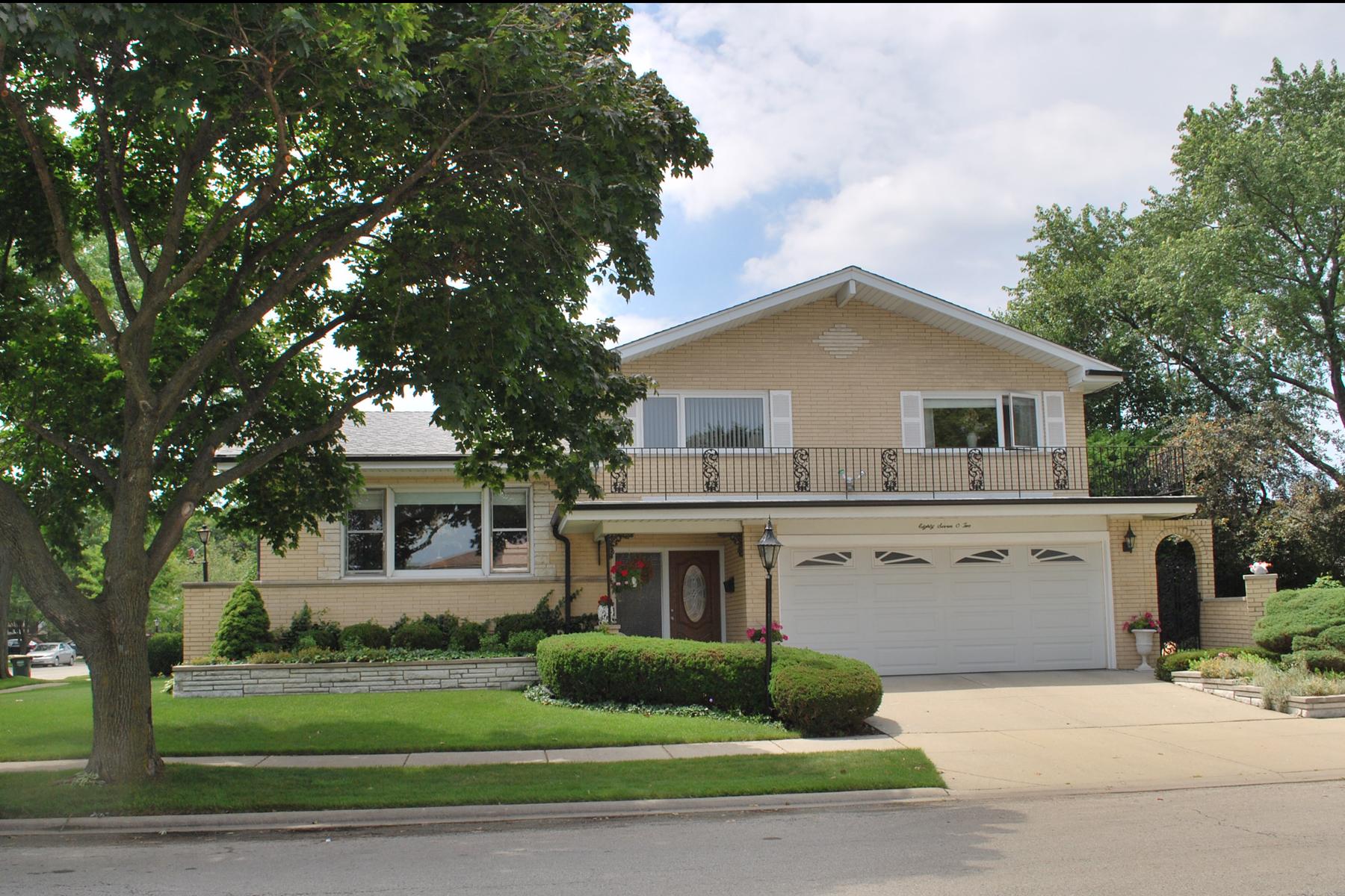8702 W. Madison Drive, Niles, Illinois 60714