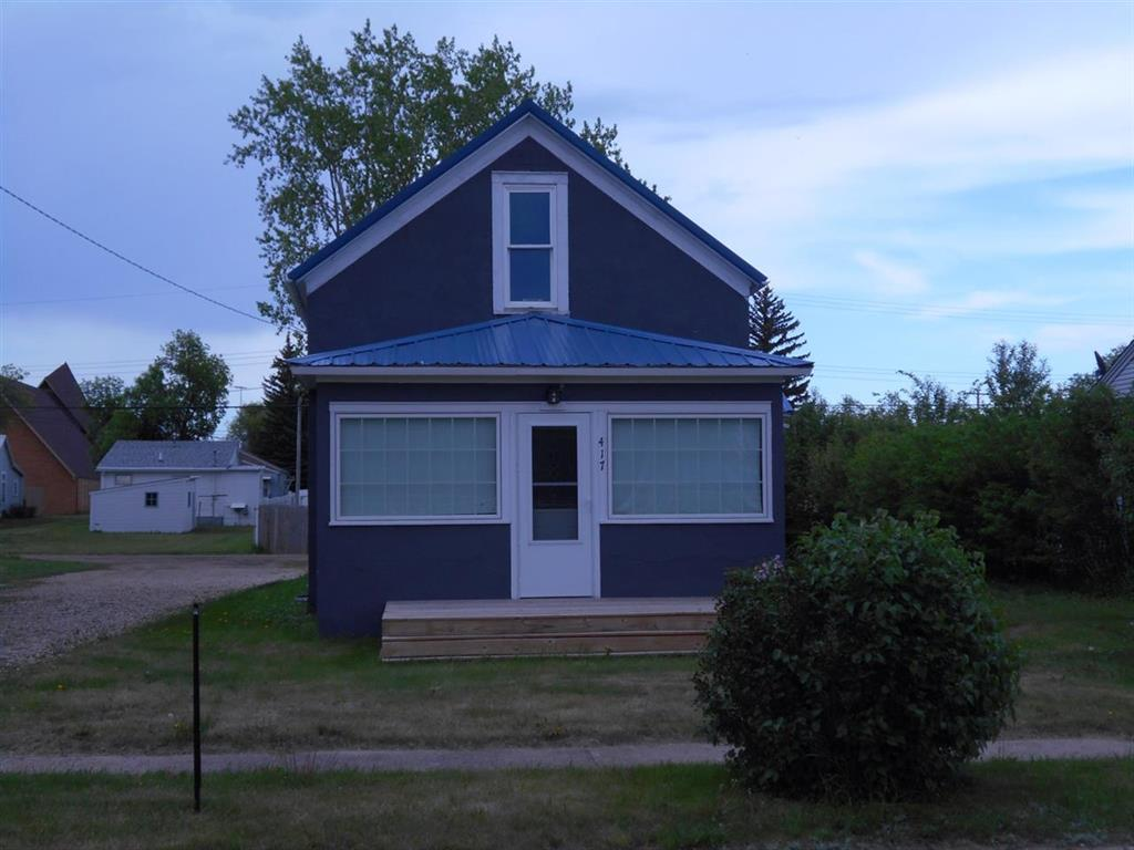 417 SW 2nd St, Stanley, North Dakota 58784