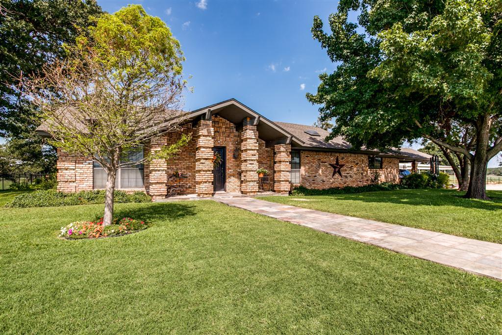 922 CR 1590, Alvord, Texas 76225