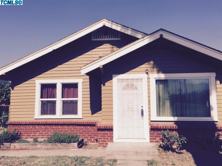893 N Cypress St, Woodlake, CA 93286