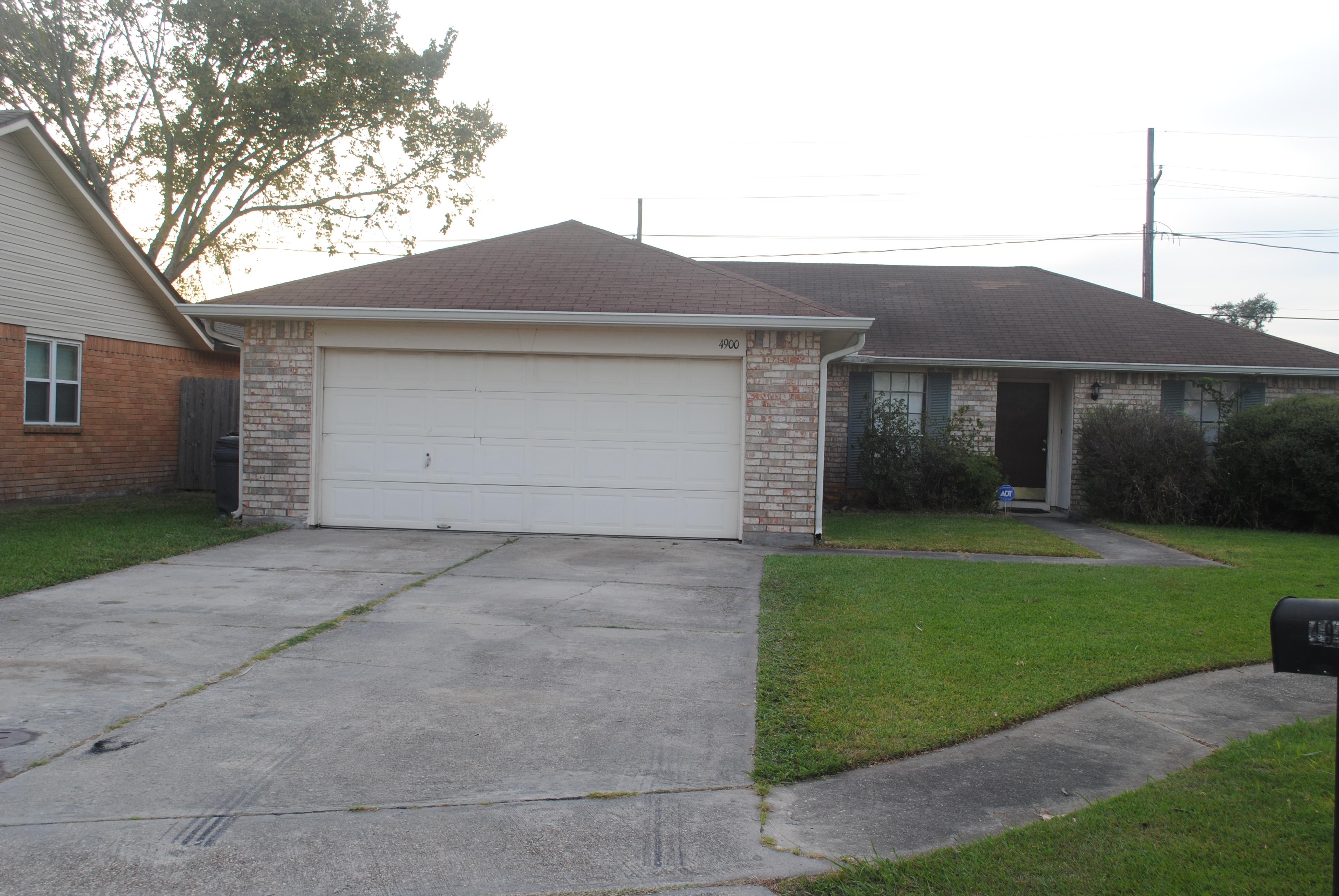 4900 WHITE OAK DR. , Marrero, Louisiana 70072