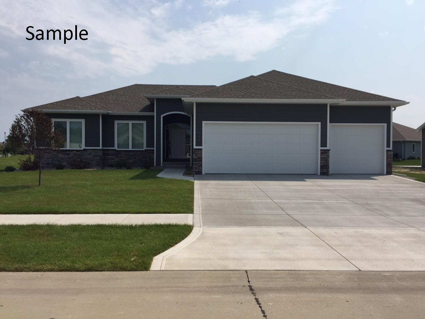 6591 Palm Valley, Sioux City, Iowa 51106