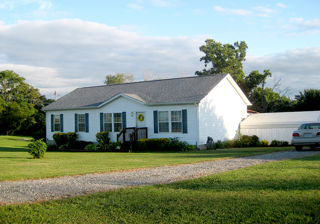107 Rolling Meadow Dr., Thaxton, Virginia 24174