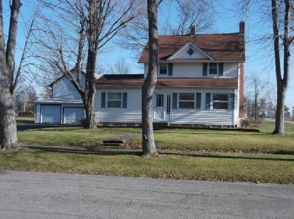 512 S. Mary St., Forest, Ohio 45843