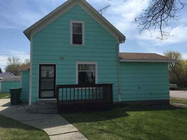411 McKinley Ave, Underwood, ND 58576