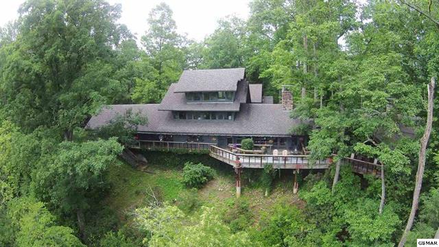 2230 Tudor Mountain Lane, Gatlinburg, Tennessee 37738