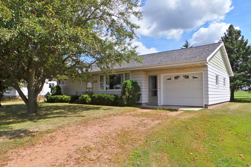 514 N Division Street, Colby, Wisconsin 54421