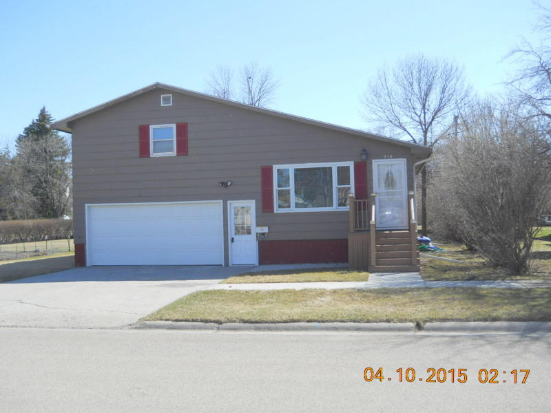 314 1st St S, Ellendale, North Dakota 58436
