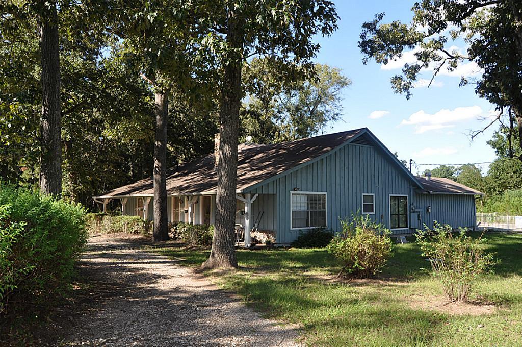 8402 Matthews LN , Magnolia, Texas 77354