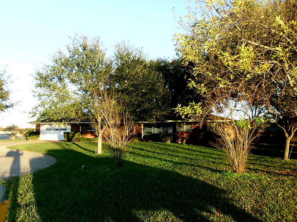 422 University Dr, Prairie View, Texas 77445