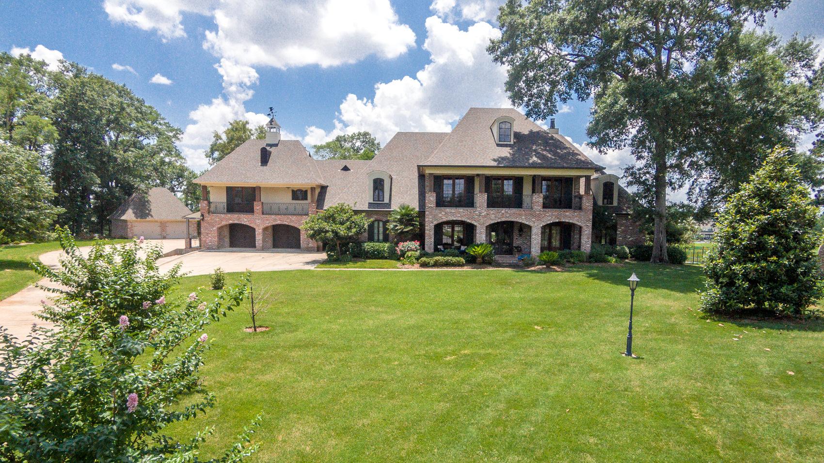 15 Nine Oaks Court, Haughton, Louisiana 71037