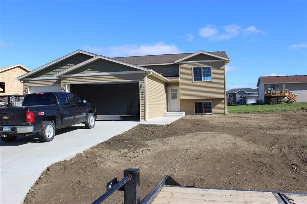 321 SW 5th Ave, Surrey, North Dakota 58785