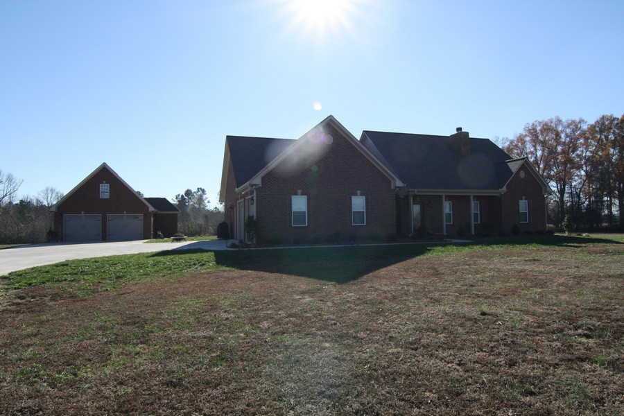 13106 White PIke Rd, Cherokee, Alabama 35616