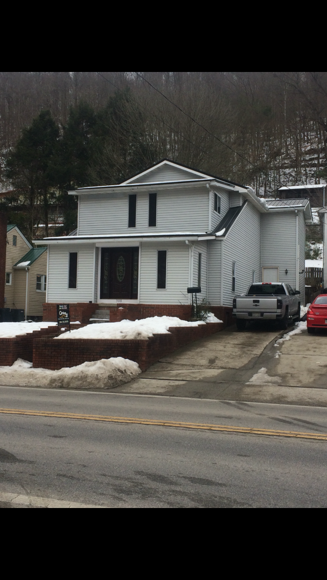 308 Justice Ave., Logan, West Virginia 25601