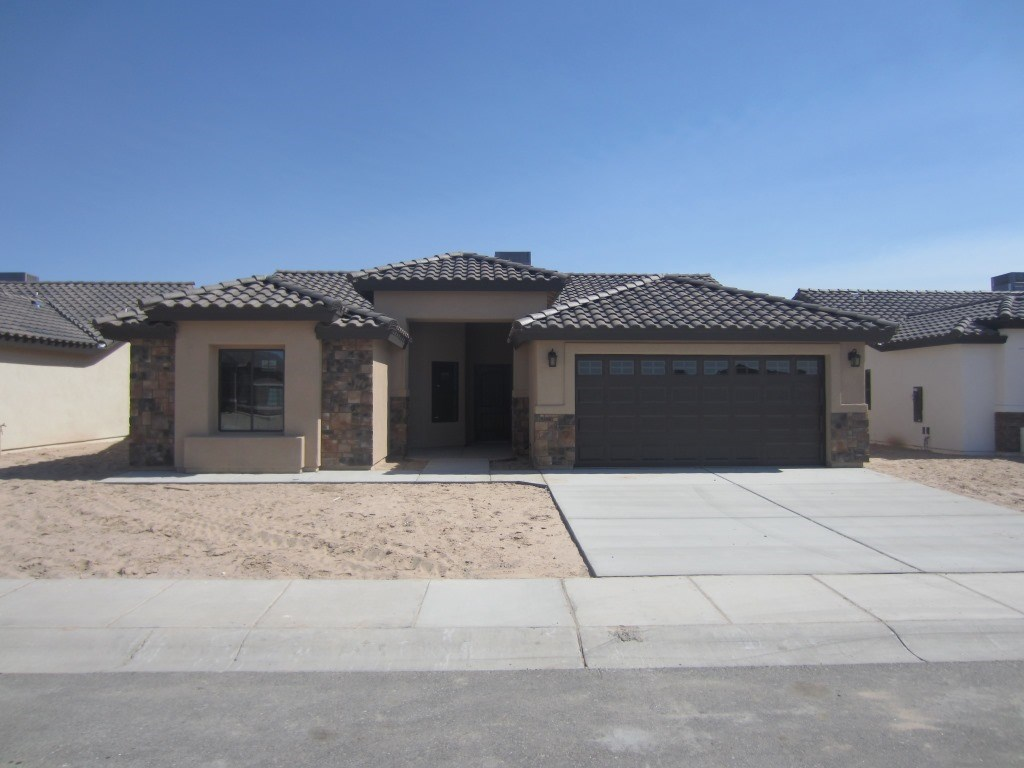 2385 E Galindo St, San Luis, Arizona 85349