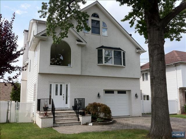 24 Albert St, Moonachie, New Jersey 07074