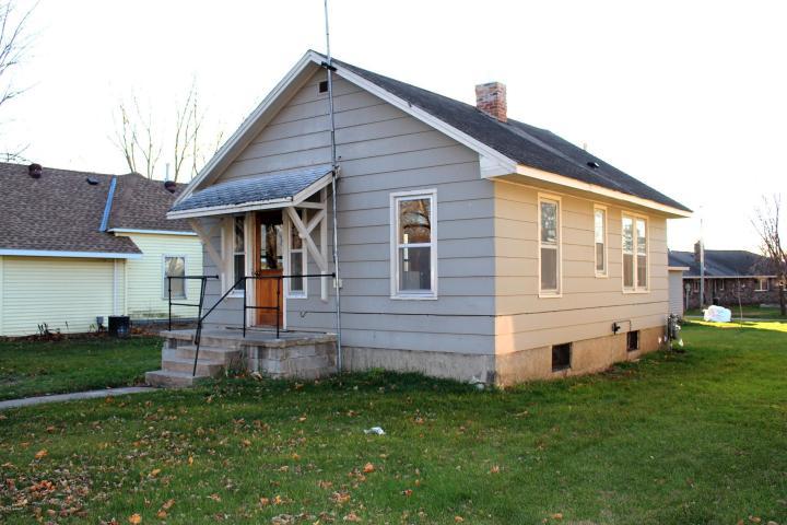 211 Western Ave N, Brooten, MN 56316