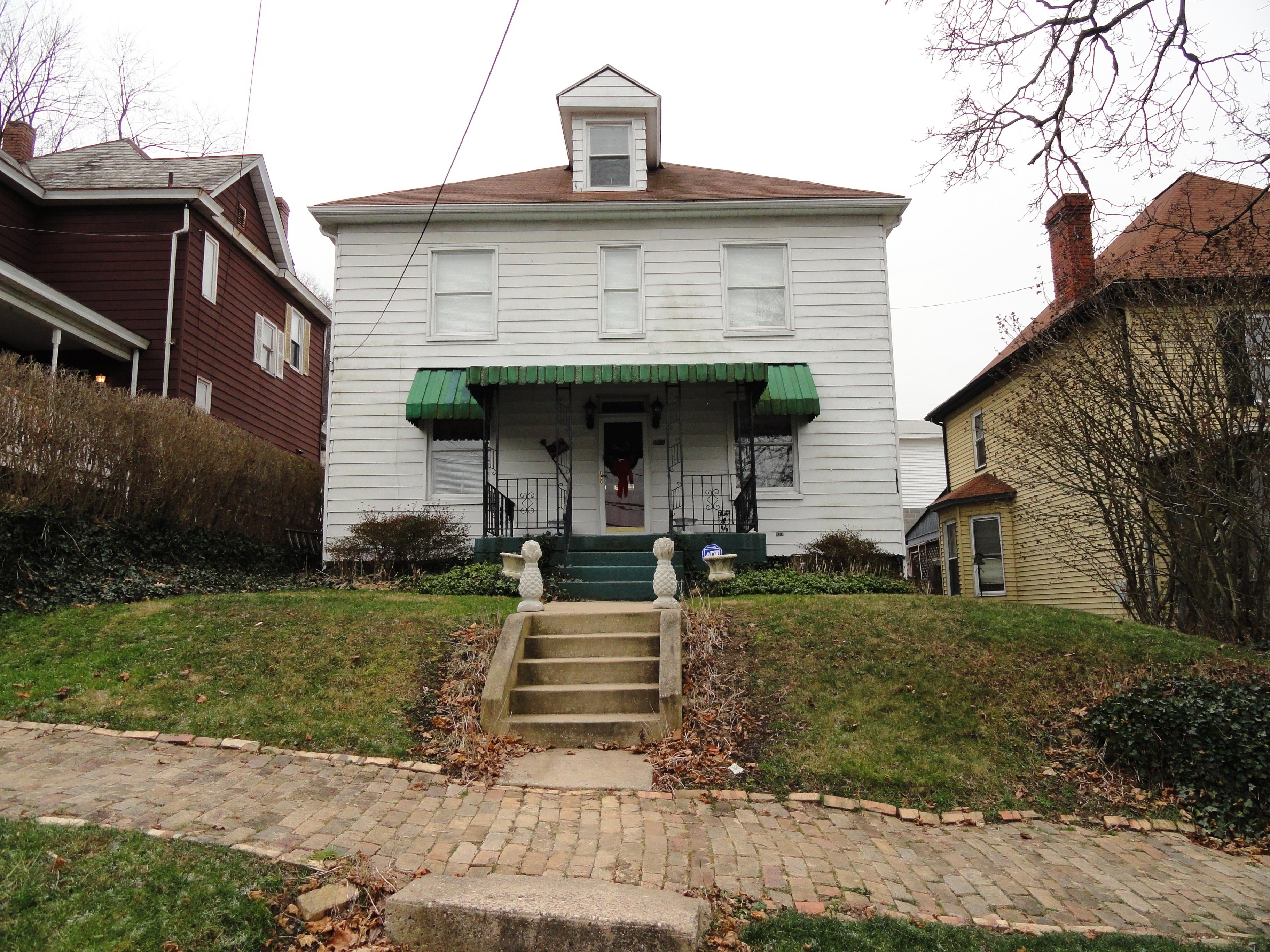 620 3rd Street, Chester, West Virginia 26034